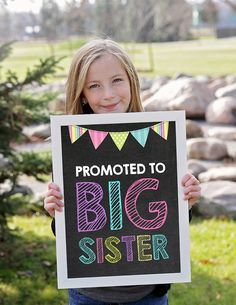 Perfect way to announcement your expecting again with Baby#2! Big Sister announcement sign #baby2onthe way, #pregnantwit
