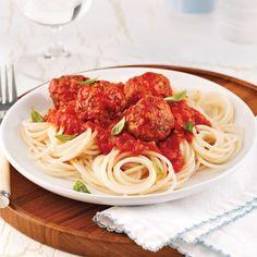Spaghettis de quinoa, sauce aux boulettes de dindon Pizza Legume, Spaghetti, Nutrition, Quinoa, Ethnic Recipes, Discovery, Sauces, Parfait, Magazines