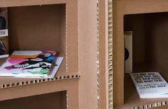 Elképesztő bútorokat készít kartonpapírból - fotók