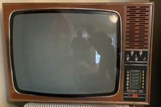Primul tv cu circuite integrate (al familiei)... Box Tv, Music, Comfort Zone, Musica, Musik, Muziek, Music Activities, Songs