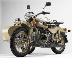 Moto-Anciennes-ural_sahara