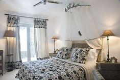 Greek Bedroom in Mykonos White Bedroom Design, Bedroom Wall Colors, Bedroom Decor, Bedroom Designs, Bedroom Ideas, Greek Bedroom, Large Bedroom, Mediterranean Style Decor, Beautiful Villas