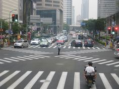 Shanghainese know their road etiquette, they are really disciplined.