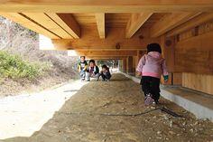 Takaharu e Yui Tezuka di Tezuka Architects: Asahi Kindergarten, Minamisanriku, Prefettura di Miyagi