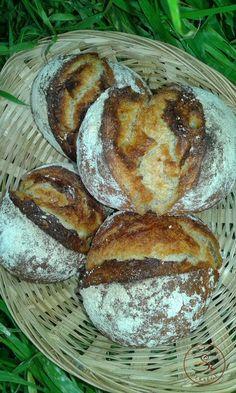 Burgonyás zsemle Breads, Food, Bread Rolls, Bread, Meals, Bakeries, Yemek, Patisserie, Eten