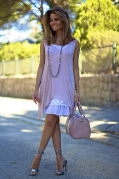 Fashion and Style Blog / Blog de Moda . Post: Sweet & Romantic / Dulce y romántico  .More pictures on/ Más fotos en : http://www.ohmylooks.com .Llevo/I wear: Dress / Vestido : Oh My Looks Shop (info@ohmylooks.com) ; Bag / Bolso : Lesaint by Oh My Looks ; Sandals / Sandalias : Pilar Burgos