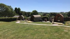 Campsites in , Campsites and Caravan sites in the UK ( England, Wales and Scotland ) & Ireland, Book direct with the site owners. Pet Friendly Holidays, Devon England, Pet Friendly Hotels, North Devon, Holiday Park, Camping Glamping, Staycation, Holiday Destinations, Campsite
