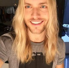 Image in Boys with long hair collection by Daddy's little psycho Gorgeous Blonde, Gorgeous Men, He's Beautiful, Ginger Beard, Man Bun, Moustaches, Haircuts For Men, Hair Inspiration, Sexy Men