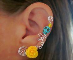 Cartilage Ear Cuff Skull Non Piercing Halloween, Dia de los Muertos, Color Choices #jewelry #arianrhodwolfchild #piercing #cartilage #earrings #earcuff #muertos #skull #helix #halloween #jewelry
