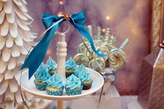 Frozen winter wonderland themed birthday party via Kara's Party Ideas KarasPartyIdeas.com Printables, cake, favors, decor, cupcakes, recipes, supplies, etc! #frozen #disneysfrozen #frozenparty (3)
