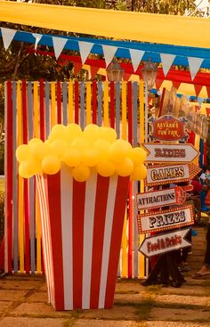 Most Popular Circus Theme Party Decorations Popcorn Ideas Vintage Circus Party, Circus Carnival Party, Circus Theme Party, Carnival Birthday Parties, Carnival Themes, Circus Birthday, Birthday Party Themes, Circus Wedding, Carnival Costumes