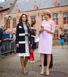 jordanianroyals:  Jordanian State Visit to Belgium, Technical Institude of the Holy Family, Brugge, May 19, 2016-Queen Rania and Queen Mathilde