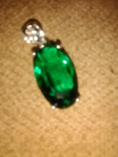 Queen Arelis Of Scots' Royal Green Diamond Of Chicago. Royal Diamond, Green Diamond, Royal Green, Royal Jewels, Chicago, Turquoise, Queen, Earrings, Jewelry