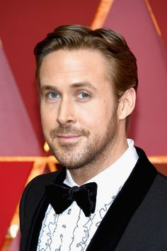 Ryan Gosling Photos Photos - Actor Ryan Gosling attends the 89th Annual Academy Awards at Hollywood