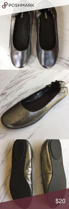 EXPRESS Silver Glitter Ballet Flats - sz. 7 - NWOT Everything that glitters....should have a place in your closet!  These New Without Tags (or Box)SIlver Ballet Flats by EXPRESS have never been worn and have a very soft cushion insole for maximum comfort.  These flats will compliment a casual outfit or can also be worn to the office. Express Shoes Flats & Loafers
