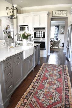 #interiordesign #KitchenLayout #kitchendesign #kitchenisland