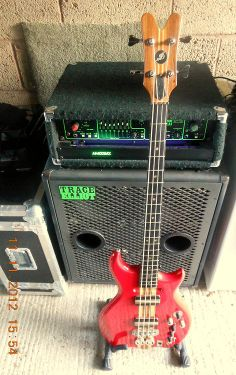 109 best gear amps images in 2014 bass amps instruments bass guitars. Black Bedroom Furniture Sets. Home Design Ideas