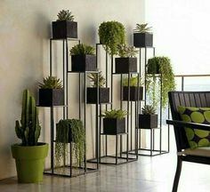 Quadrant Plant Stand with Four Planters (C). Green Indoor plants Tropical Boho Bohemian Relax Nature Hippy Bold Paint Styling Interior Design Home Botanical Herb Garden Design, Garden Ideas, Diy Plant Stand, Indoor Plant Stands, Vertical Gardens, Plant Decor, Design Case, Stand Design, Design Design