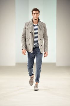 Taupe Cotton Peacoat, Navy & White striped Tee, Gray Blue Chinos, and Beige Desert Boots. Cool Outfits, Casual Outfits, Fashion Outfits, Stylish Men, Men Casual, Mode Man, Outfits Hombre, Fashion Corner, Herren Outfit