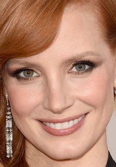 Close-up of Jessica Chastain at the 2015 Golden Globe Awards. http://beautyeditor.ca/2015/01/12/golden-globes-2015