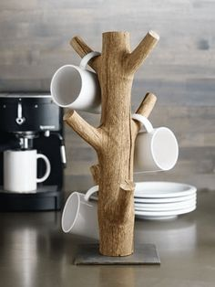 Diy Wood Projects, Wood Crafts, Woodworking Projects, Woodworking Basics, Coffee Mug Holder, Coffee Mugs, Mug Tree, Branch Decor, Tree Branch Crafts