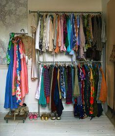 Eclectic style in vintage home gavanized pipe closet clothes hanger rack Clothes Hanger Rack, Clothes Rail, Clothing Racks, Eclectic Style, Eclectic Decor, Walk In Wardrobe, Wardrobe Rack, Style Vintage, Vintage Home Decor