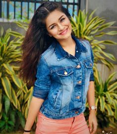 Avneet kaur cutest unseen latest images of her body show and navel pics with hot sexy big cleavage and bikini photos collection. Stylish Girls Photos, Stylish Girl Pic, Girl Photos, Girl Pics, Cute Girl Poses, Cute Girl Pic, Cute Girls, Teen Actresses, Indian Actresses