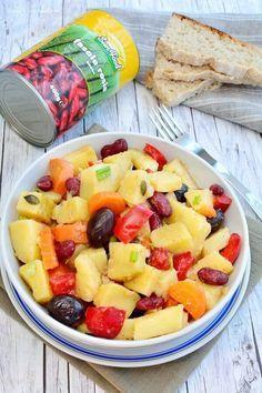 Salată orientală în varianta de post Romanian Food, Fruit Salad, Good Food, Food And Drink, Fruit Salads, Clean Eating Foods, Eat Right, Yummy Food