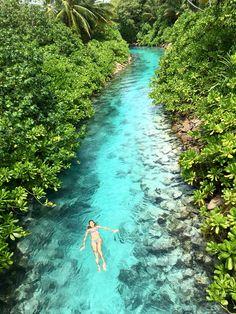 Devon Windsor in Maldives
