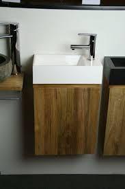Afbeeldingsresultaat voor fonteinmeubel hout Bathroom Toilets, Laundry In Bathroom, Dream Bathrooms, Vanity, Google, Design Ideas, Rustic, Dressing Tables, Country Primitive