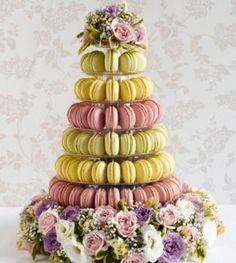 A different use of flowers in this tower. Would be great to match flower and macaron colours