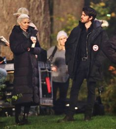 "Jennifer Morrison and Colin O'Donoghue - Behind the scenes - 5 * 11 ""Swan Song"" 22 October 2015"