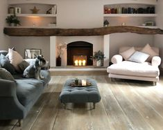 32 Popular Simply Farmhouse Living Room Decorating Ideas is part of Farm house living room - Cozy Room, Cosy Living Room, Farm House Living Room, Living Room Interior, Home And Living, Farmhouse Living, Home Decor, House Interior, Cottage Living Rooms