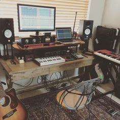 Buying cheap and used DJ equipments Home Recording Studio Setup, Home Studio Setup, Music Studio Room, Garage Studio, Studio Desk, Sound Studio, Dream Studio, Home Music Rooms, Desk Setup