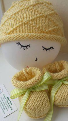 Newborn Set:  Hand Knitted Cashmere Merino Baby Booties & Beanie 0-3 months Sunny Yellow