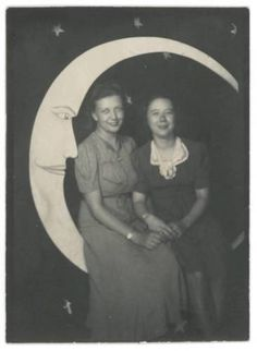 Two-Gals-in-c1930s-Paper-Moon-Prop-Vintage-Arcade-Photo-Booth