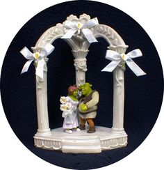 Shrek And Fiona Shall Definitely Be The Wedding Cake Topper