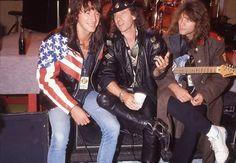 Richie Sambora, Klaus Meine (lead vocalist of the Scorpions) and JBJ 80 Bands, 80s Rock Bands, Bon Jovi 80s, Jon Bon Jovi, Great Bands, Cool Bands, Heavy Rock, Glam Rock, Moscow