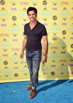 Pin for Later: Seht alle Stars bei den Teen Choice Awards! John Stamos