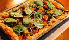 Great served as an appetizer at the braai – or ideal for those who don't eat meat as the pizza is prepared on the fire but not directly on the grid. If making Pizza Recipes, Cooking Recipes, Vegetarian Pizza, Savoury Dishes, Tray Bakes, Vegetable Pizza, Appetizers, Meat, Baking
