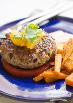 Love, FitFood | Marokkaanse burger met ras-el-hanout zoete aardappel frietjes | http://www.lovefitfood.nl