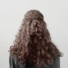 Charles Xavier, Character Aesthetic, Hermione Granger, Light In The Dark, Character Inspiration, Hogwarts, Curly Hair Styles, Hair Beauty, Dreadlocks