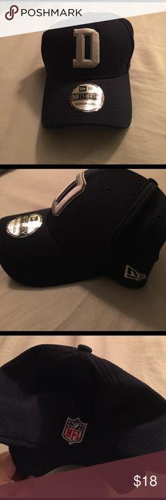 Dallas Cowboys New Era 39THIRTY hat Dallas Cowboys New Era 39THIRTY hat.                    Size medium-large. Worn once still had new era sticker on bill. New Era Accessories Hats
