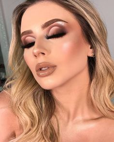 Professional Tips: How To Make Flawless Makeup? Flawless Makeup, Glam Makeup, Makeup Inspo, Bridal Makeup, Wedding Makeup, Makeup Shop, Makeup Eye Looks, Makeup For Brown Eyes, Eyeshadow Looks