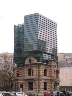 National Architects Union Headquarters, Romania -- 25 Pieces Of Old Architecture Meeting New in Perfect Harmony Brick Building, Old Building, Building Design, Architecture Old, Beautiful Architecture, Parasitic Architecture, Victorian Architecture, Glass Roof Extension, Contemporary Front Doors