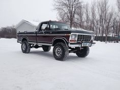 1978 Ford 250 Truck| Love the extra '76 lower side-chrome; NICE-Touch !!!!