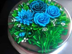 Gelatina 3D FLORAL - YouTube imagine this jelly as a centrepiece in your wedding colours. Just beautiful and so clever.