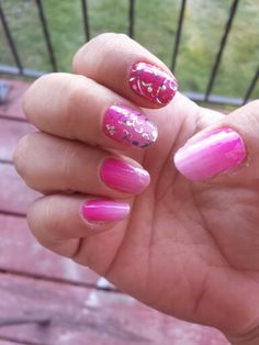 Kiss me ombre with metallic floral Jamberry nails