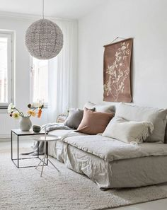 Modern living room interior - All white and natural interior Room Interior Design, Living Room Interior, Living Room Decor, First Apartment Decorating, Natural Interior, Home And Deco, Living Room Designs, Trends, Home Decor