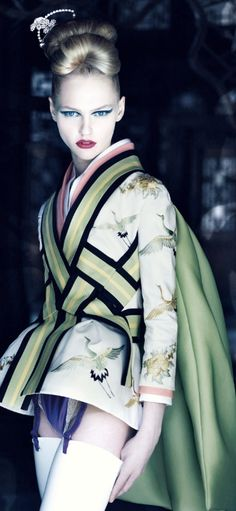 Dior: The Legendary Images Dior Spring/Summer 2007 Haute Couture Collection Photography by Patrick Demarchelier, 2007 Couture Mode, Style Couture, Dior Couture, Couture Fashion, Foto Fashion, Dior Fashion, Asian Fashion, Womens Fashion, Fashion Trends